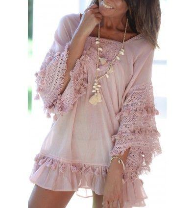 vestido rosa palo boho chic con guipur, crochet y pompones